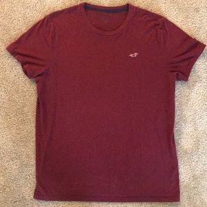 Hollister T-shirt in Maroon (XL)